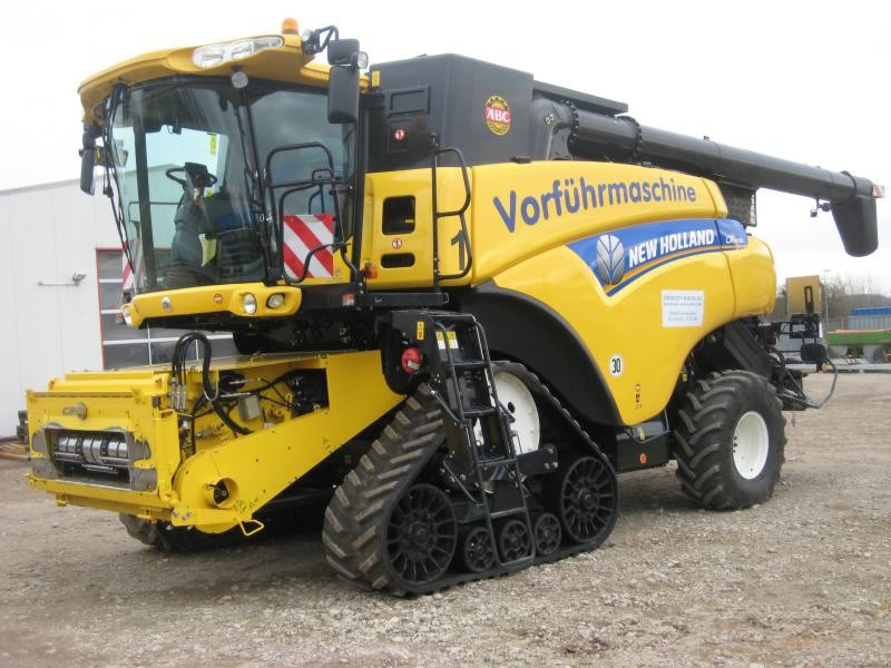 New Holland 1.jpg